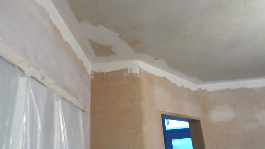 Frontroom Ceiling Taping 2